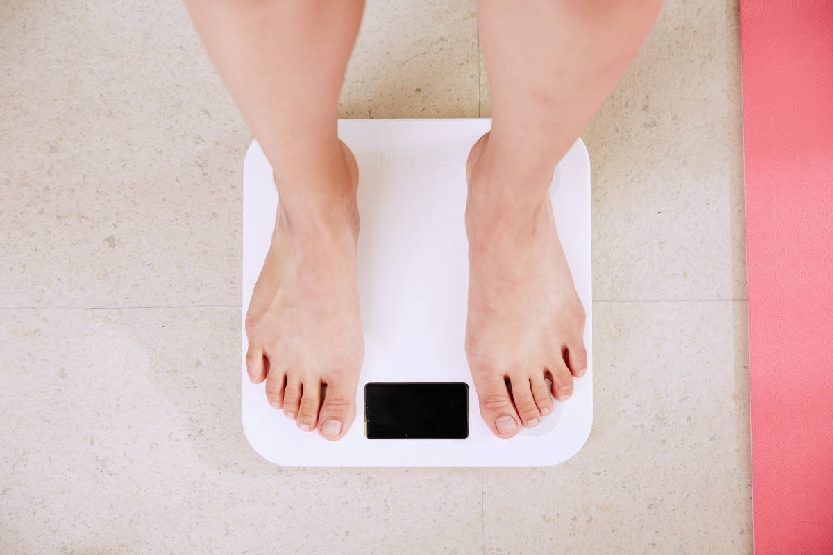 As a woman who's lost a substantial amount of weight, Annie has some insider tips for those who find themselves discouraged by the amount of weight they want to lose. In this bite-sized podcast, Annie shares some of the experiences she had while on her weight loss journey. In true Balance365 fashion, Annie gets real about the good, the bad, and the feelings she never anticipated having. Join her as she discusses what you can expect before, during, and after your weight loss journey.